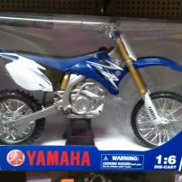 Diecast Yamaha YZ450F 2009